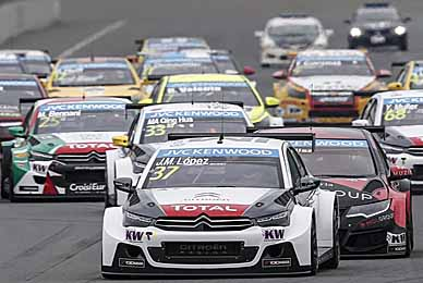 goodwood 2016 pos 1  The WTCC has had an all-action season in 2015 - CREDIT FIA WTCC