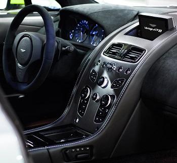 Aston Martin_Vantage GT8 pos 4