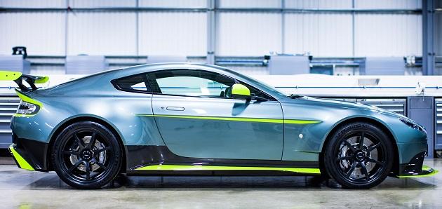 Aston Martin_Vantage GT8 pos 5