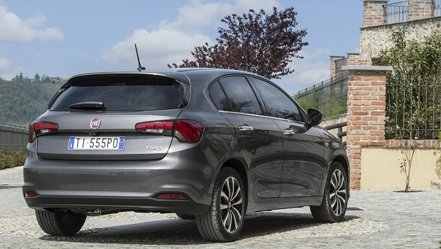 2016 Fiat Tipo wagon and hatch launched in Milan