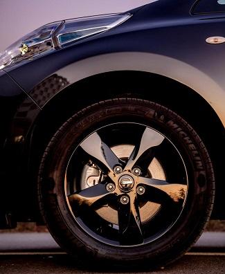 2017 Nissan Leaf Black Edition: Image: Nissan