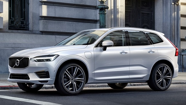VOLVO XC 60: Nine years since the first comes the stylish, safety-aware replacement. Image: Volvo Cars / Newspress