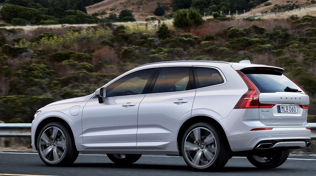 2017 VOLVO XC60: First units leave Torslanda plant in Sweden. Image: Volvo Cars / Newspress