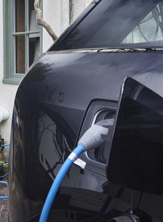 PLUG IN, PARK OFF IN A COUNTRY VILLAGE: That's what's envisaged for a UK electric vehicle home-charging programme. Image: Newspress