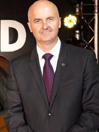 Bill Mott, Opel's international sales director,