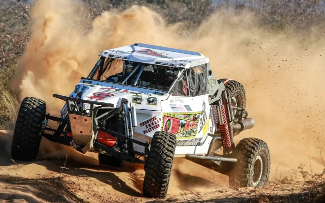 DEVILS IN THE DUST: Husband-and-wife team Manus and Jolinda Fourie won the Special Vehicles class in the 2017 Botswana Desert Race. Image: NADIA JORDAAN