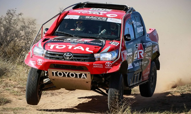 YOTA HILUX STILL KING OF THE DESERT: Dakar veteran Giniel de Villiers drove his Gazoo entry to another win, this time the 2017 Botswana Desert Race. Image: Toyota