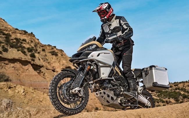 2017 DUCATI MULTISTRADA 1200 PRO: Image: Ducati / Newspress