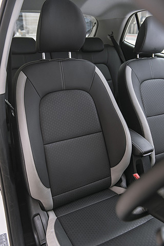 SPORT-TYPE SEATS ON SOME MODELS: They were in the car The Corner drove and they are easily good enough for CTN-Jozi, one hit. Image: Kia