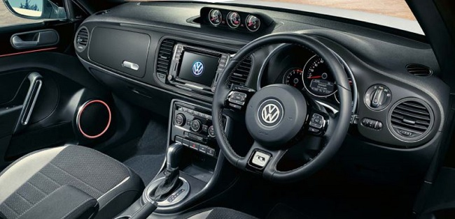 2017 VW BEETLE R-LINE: Image: VW SA