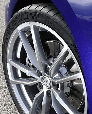 HOTTER GOLF R: Image: VW UK / Newspress