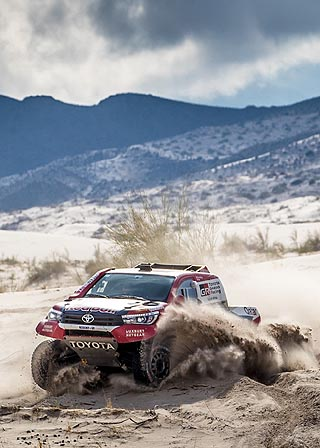TIME OF SANDS RUNNING OUT: Great Stage 11 for Toyota SA team on Dakar Stage 11. Image: Toyota SA / Motorpress