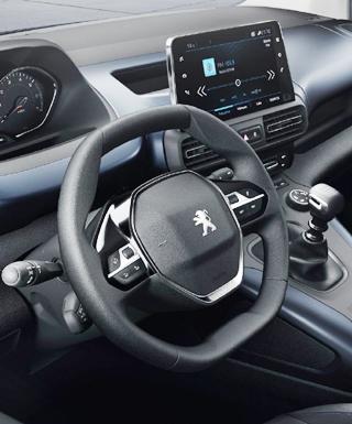 2018 PEUGEOT RIFTER: Image: Peugeot / Newspress