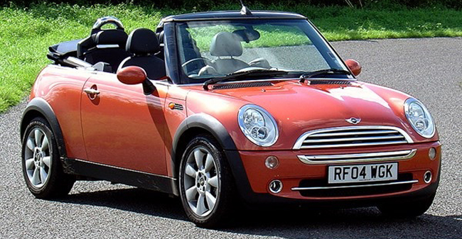 SOMEWHAT CHANGED: For 2004, came a much more sophisticated model with a superior roof mechanism. Image: Google