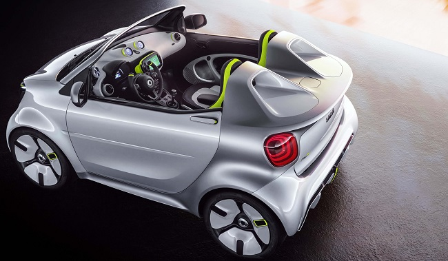 SMART FOREASE: Another chapter in the saga of the Smart Car set for Paris. Image: Smart / Newspress