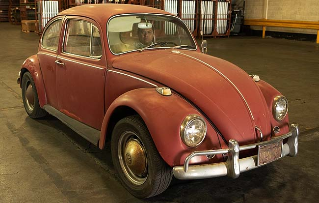ANCIENT ANNIE: Not looking too good after 51 years on the road - but watch the Christmas miracle unfold. Image: VW Mexico