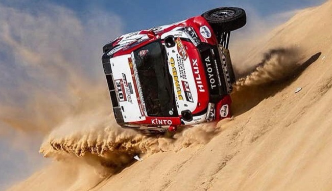rolling hilux